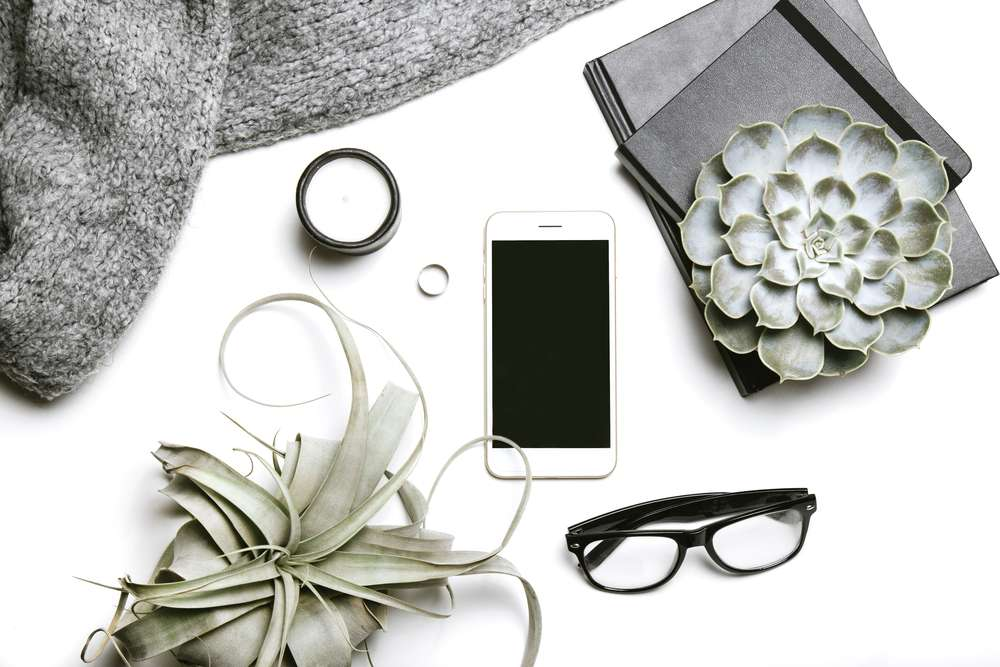 how to use instagram to get more readers to your blog How to Use Instagram to Get More Readers to Your Blog Green and gray flatlay